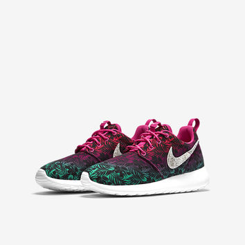 The Nike Roshe Run Print (3.5y-7y) Girls' Shoe.