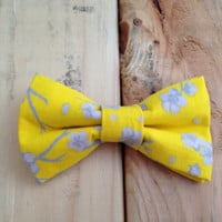 Yellow and gray floral bow tie