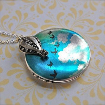 The Birds in Flight Locket and Hot Air Balloon  by verabel on Etsy