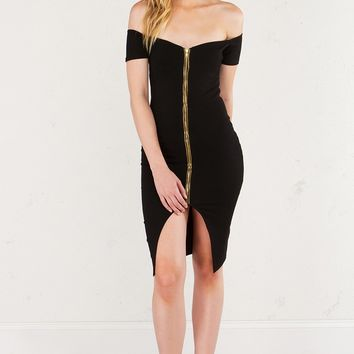 AKIRA Bodycon Dress with Dual Zipper at Front in Black