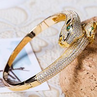 8DESS Cartier Women Fashion Diamonds Leopard Head Plated Bracelet