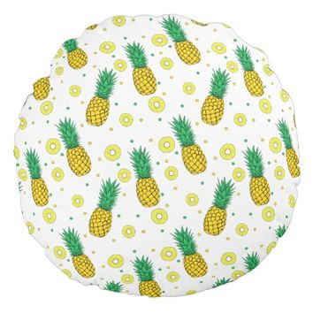 Pineapples pattern round pillow
