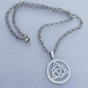 4pcs/lot Stainless Steel Super Hero Jewelry Resident Evil Knot Triquetra Trinity Pewter Pendant Knot Necklace