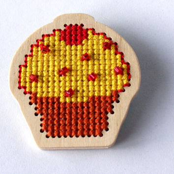 Sugar sprinkled cupcake brooch for girl, kids jewelry, lightweight wooden brooch, cross stitch pin, yellow and red, ready to ship