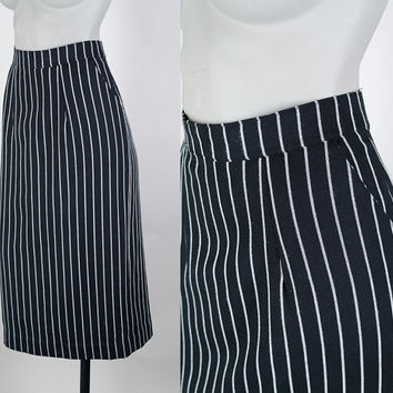SALE Vintage 80s Skirt / 1980s Black and White Twill Pinstripe Pencil Skirt S M