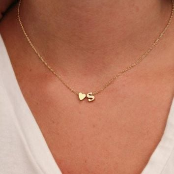 ONETOW Hot 26 Letter & Heart-shaped Charm Pendant Necklace Women Simple Name Necklace Lovers Gift Gold Color Initial Choker