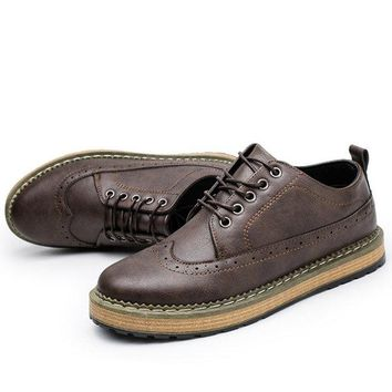 Men Brogue Carved Lace Up Casual Oxfords