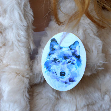 Wolf wood brooch-Wolf wooden pin-Wild Animal jewelry-Scarf accessory-Wood jewelry-Shawl accessories-Handbag accessory-Woodland pin-Forest