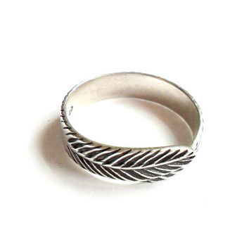 Vintage Sterling Feather Ring - Size 7 - Sterling Silver 925 - Boho Style - Festival Fashion - Gypsy - Bohemian - Southwestern - Simple