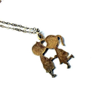 kissing kids / couple necklace