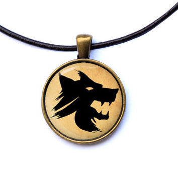 Fantasy jewelry Vampire the Masquerade necklace Gangrel symbol pendant