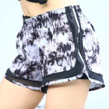 Women Outdoor Sports Shorts Gym Sport Skirt Breathable Fake Two Pieces Shorts Mesh Running Jogging Tennis Shorts Lady Gym Skorts