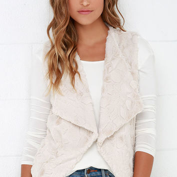 Jack by BB Dakota Whisper Cream Faux Fur Vest