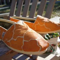 giraffe printhand painted on TOMS shoesmade to by ArtfulSoles
