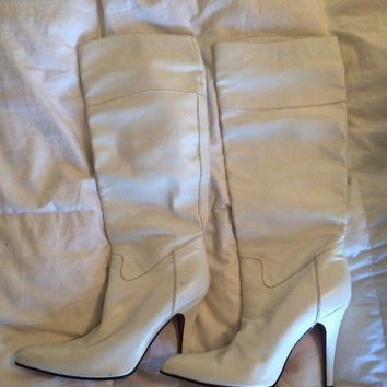 Christian Louboutin women's White leather tall knee heel boots 39 Stiletto