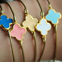 CHOOSE COLOR Gold Clover Quatrefoil Bangle Bracelet Gold Charm - Stackable Bangle Bracelet - Bridesmaid Gift - Gift under 15