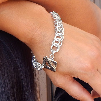 Hand-woven Metal Bracelet / Chain Mail Jewelry / Chainmail Bracelet / Renaissance Jewelry / Classic Jewelry