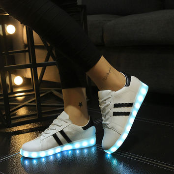 Round-toe Flat Lightning Couple Low-cut Noctilucent Shoes [6734552903]