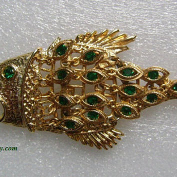 Vtg Gold Tone Articulated Figural BIG Fish W/Dangling Emerald Green Rhinestones Decoration Body Scale Eye Fishing Hook Pendant/Necklace 58g