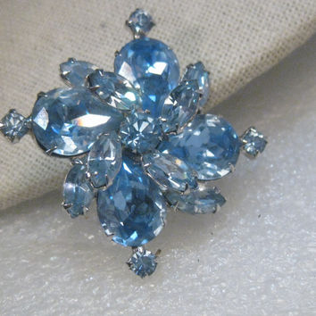 Vintage Silver Tone Sapphire Blue Rhinestone Weiss 1940-1950's Brooch