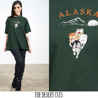 vintage wolf t-shirt vintage dark green alaska souvenir travel t-shirt top vintage 90s embroidered wolf pack t-shirt