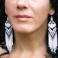 Black and White Earrings.  Native American Beaded Earrings.