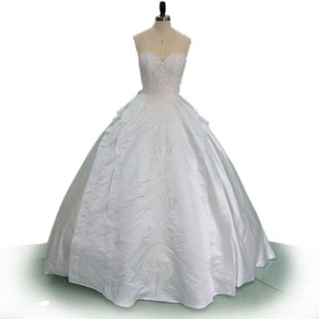 White Satin Wedding Dress Strapless Bridal Gown Embroidery Applique Ball Gown Custom Made