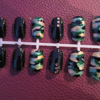 Hand painted presson nails green by MichelleNailBoutique on Etsy