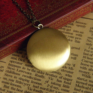 antique bronze smooth surface big circle locket necklace jewelry