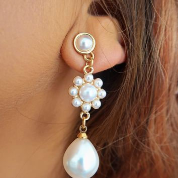 The Perfect Touch Earrings: Pearl