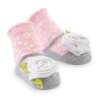 MUD PIE WHITE FLOWER SOCKS
