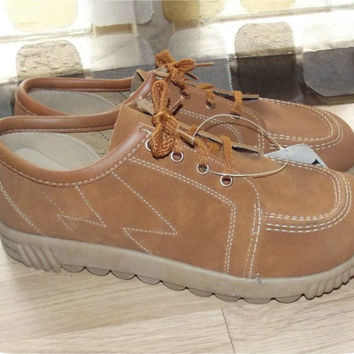 Vintage 70s Tan Suede Platform Brothel Creeper Shoes 11 Wide Width NEW OLD STOCK Hipster Oxfords GiGi