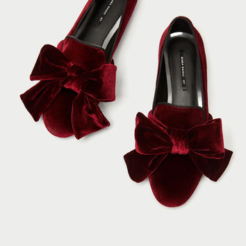 VELVET LOAFERS WITH BOW DETAILS