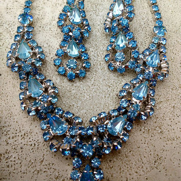 Fantastic Ice Blue Rhinestone Necklace Parure Set Bracelet Earrings Super Sparkly Layered Dimensional Formal Wedding Jewelry Set