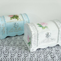 Hand Decorated Shabby Сhic Jewelry Trinkets Box Distressed White Decoupage Roses