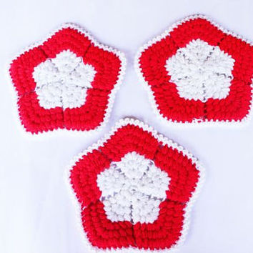 Vintage Wash Cloths  - Set of Three Red White Little Stars Wash Cloth -  1970s Hand Crocheted Dish Cloths - Back To School