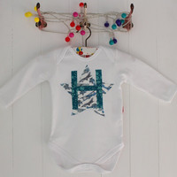 PERSONALISED Heart and letter bodysuit boy