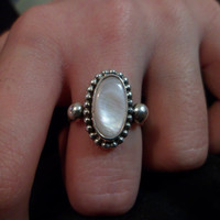 Authentic Navajo Native American Southwestern sterling silver mother of pearl bead double band ring. Size 7 1/4