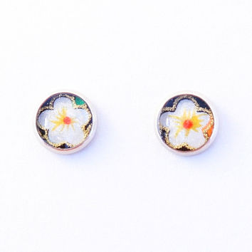 White plum blossom earrings, Japanese ear studs, washi Chiyogami jewelry, flower, hypoallergenic surgical steel, black and white