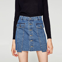 MINI SKIRT WITH BUTTONSDETAILS