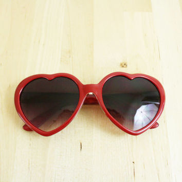 Vintage Heart Shape Sunglasses / Heart Sunglasses / Vintage Shades Deadstock Plastic Sunglasses / SG1109
