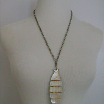 Super Cool Accessocraft NYC Articulated Mother Of Pearl Abalone Shell? Double-Sided Reversible Large Fish Pendant Silver Tone Chain Necklace