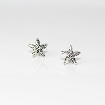 Sterling Silver STARFISH dainty stud earrings -  nautical - Sea Life - Summer fun at the beach - Bridesmaids