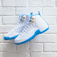 Nike Air Jordan 12 Retro University Blue size 7y