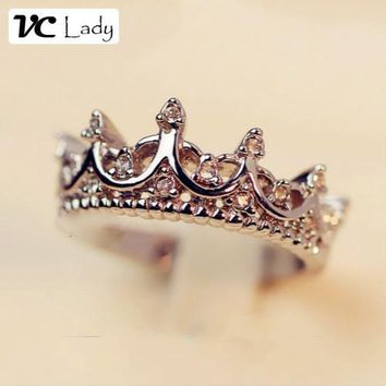 SILVER KOREA  QUEEN CROWN CLEAR CRYSTALS RING
