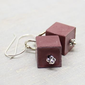 Cube earrings - plum