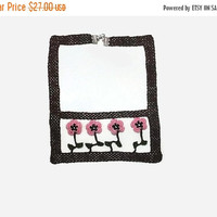 SALE 20% Framed  Pink Flowers Unique Crochet Necklace - Boho Chic Crochet Jewelry  Knitted Summer Necklace - gift For Her