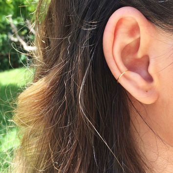 Gold ear cuff, rose gold ear cuff, fake conch piercing, fake conch earring, ear jacket, silver conch pierce, clip on ear cuff, fake ear cuff