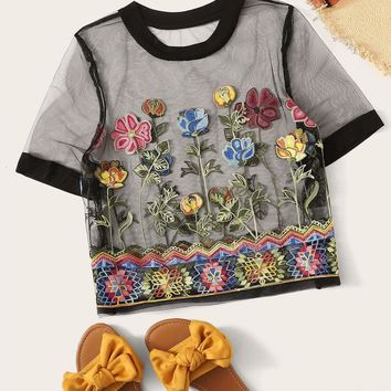 Plus Contrast Neck and Cuff Embroidery Appliques Mesh Top