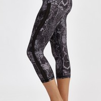 Curve Snake 3/4 Legging in Black by HPE | New Arrivals | BANDIER